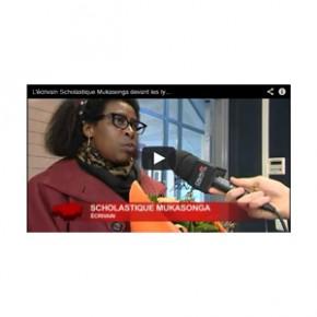 L'écrivain S. Mukasonga devant les lycéens de Pontault-Combault