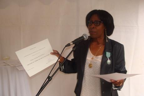 Scholastique Mukasonga décorée Chevalier des Arts et des Lettres