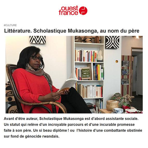 Avant d'être auteur, Scholastique Mukasonga est d'abord assistante sociale. Un statut qui relève d'un incroyable parcours et d'une incurable promesse faite à son père. Un si beau diplôme! ou  l'histoire d'une combattante obstinée sur fond de génocide rwandais.